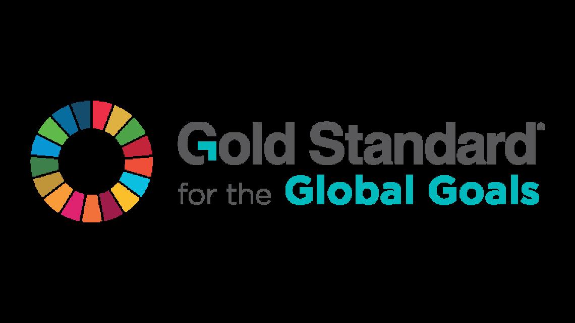 Das ist das logo des Gold Standards for the Global Goals, eines der führenden Standards für Klimaschutzprojekte für Klimaneutralität.